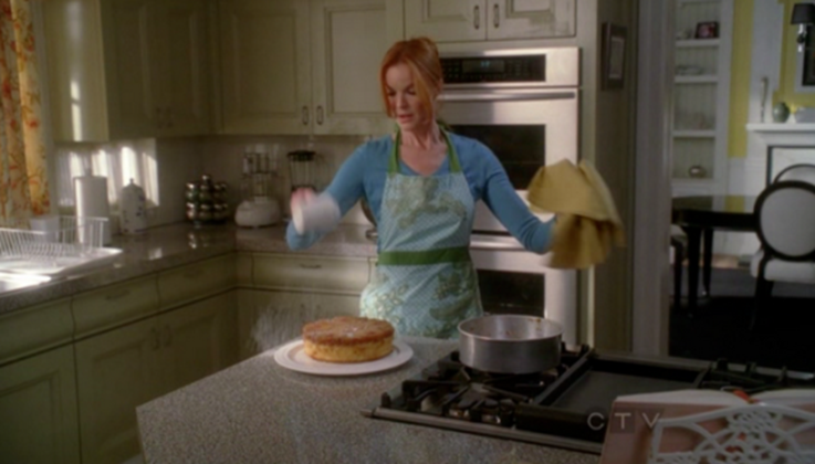food desperate housewives in my kitchen the pineapple upside down cake of bree van de kamp. Black Bedroom Furniture Sets. Home Design Ideas