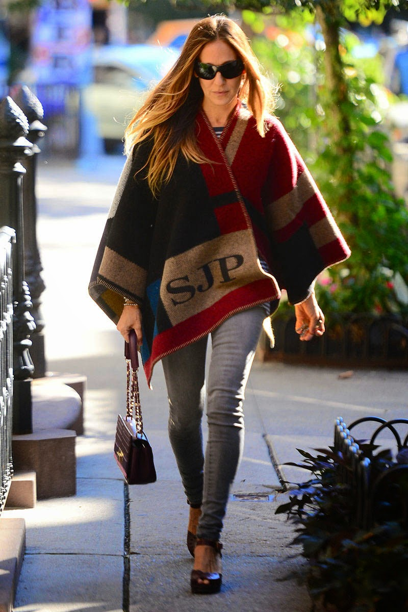 burberry-cape-sarah-jessica-parker-fashion-blogger