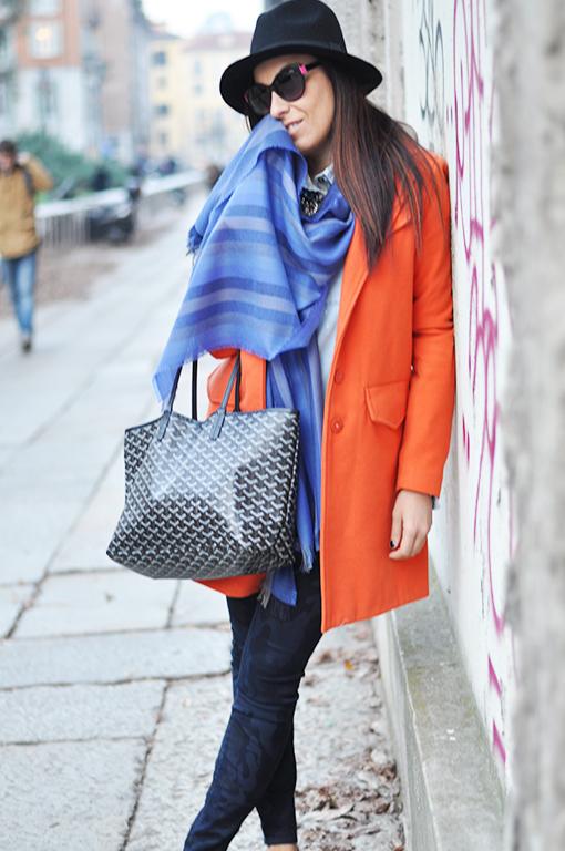 joyard-sciarpa-streetstyle-fashion-blogger-tendenze-2015-cappotto-arancione-valentina-coco