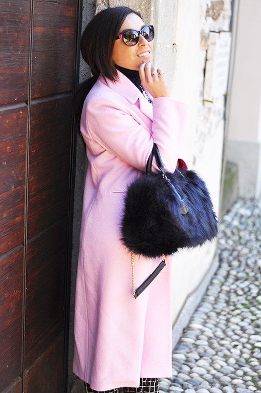 street-style-cappotto-rosa-borsa-pomikaki-fashion-blogger-valentina-coco-outfit