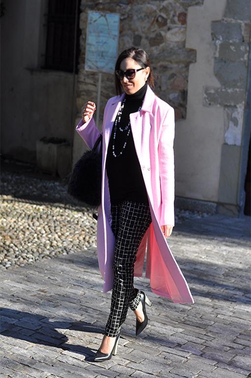 street-style-fashion-blogger-pomikaki-borsa-di-pelliccia-valentina-coco-cappotto-rosa