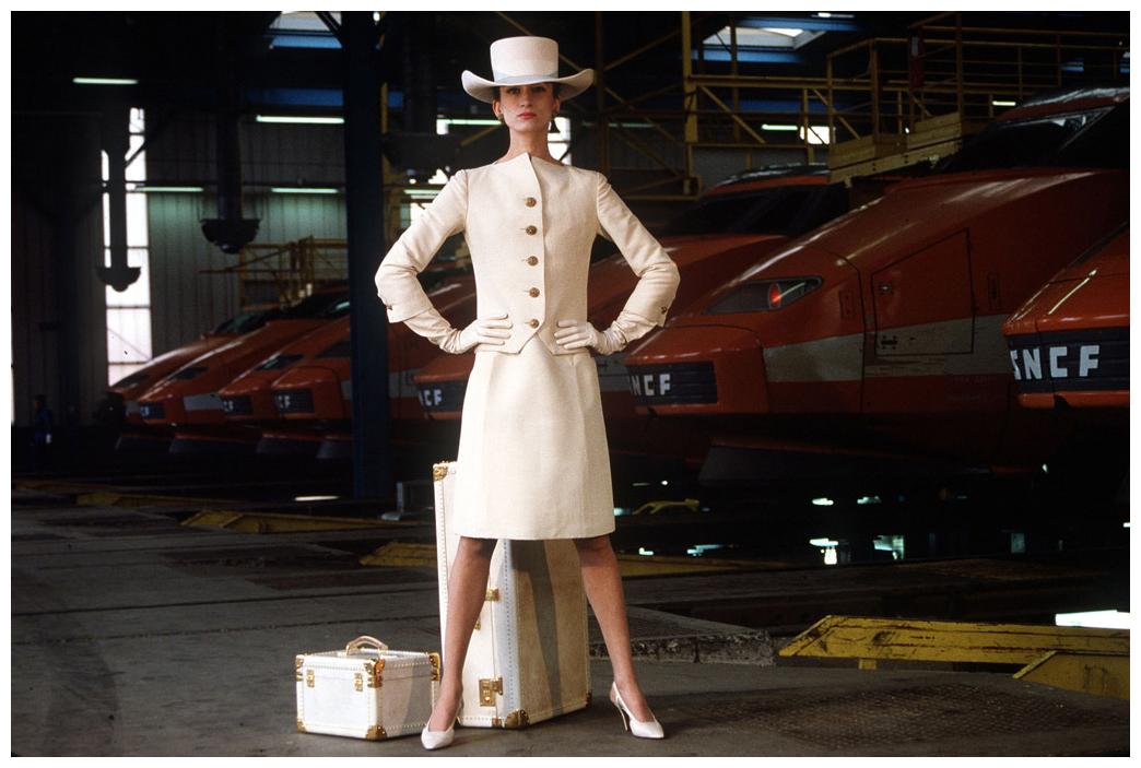 tailleur-status-symbol-gonna-dolce-e-gabbana-valentina-coco-fashion-blogger