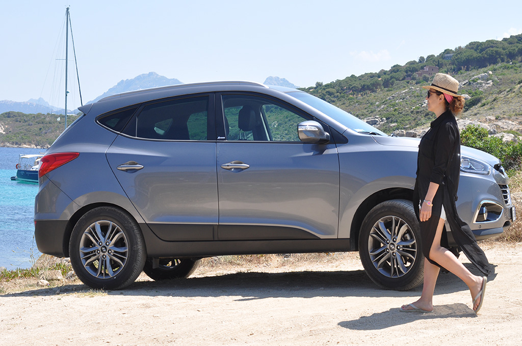 hyundai-ix35-suv-corsica-travel-fashion-blogger-valentina-coco