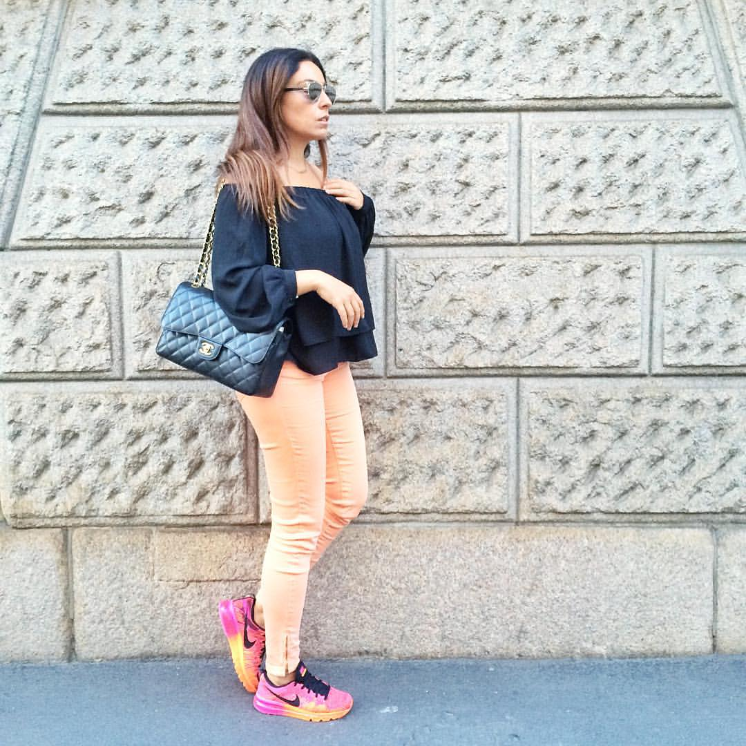 outfit-milano-fashion-week-camera-moda-gae-aulenti-fashion-blogger-blogger-italia-valentina-coco-chanel-2.55-nike-air