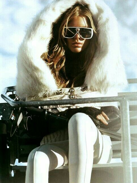 abbigliamento-look-da-neve-montagna-visone-moon-boots-sestriere-cortina-valentina-coco-fashion-blogger