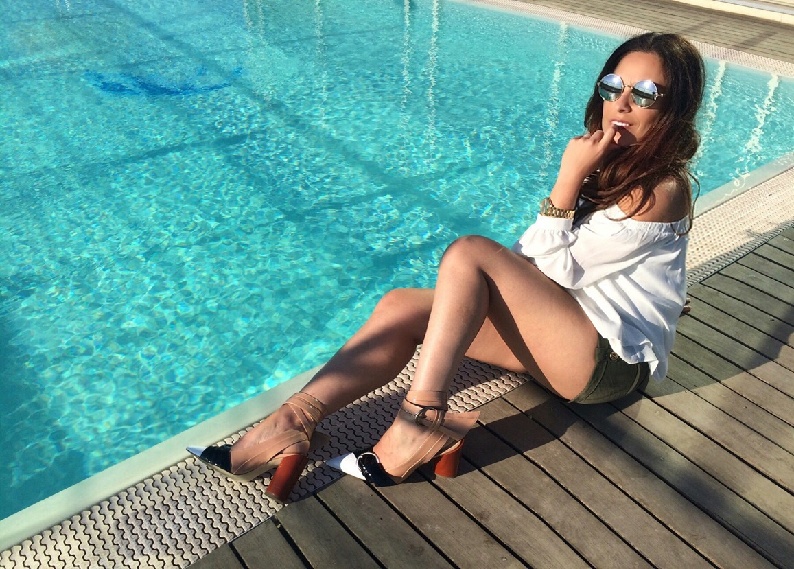 party-piscina-jessica-buurman-sicilia-travel-valentina-coco-fashion-blogger-outfit-street-style